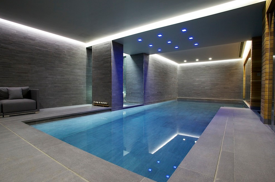 Indoor swimming pools homes of the rich for Interior swimming pool