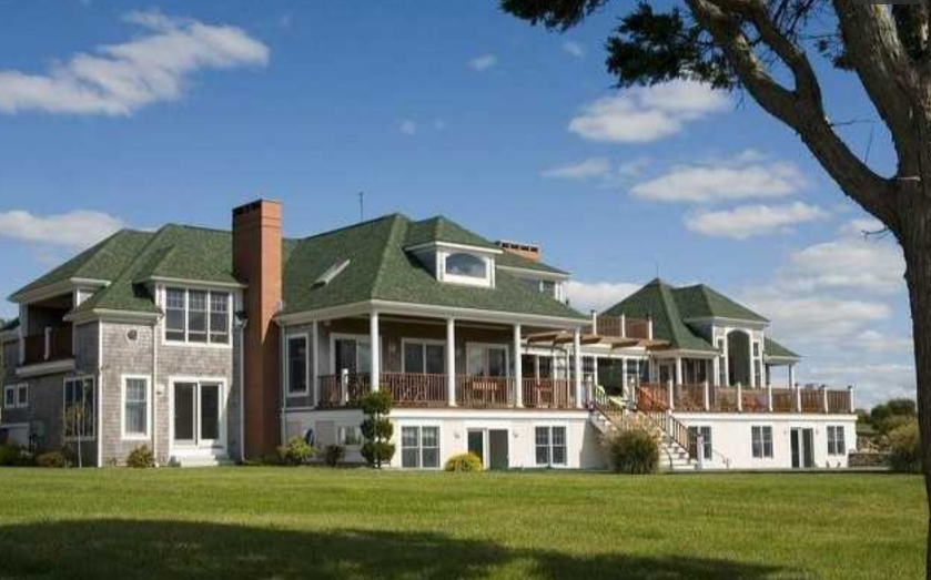$3.9 Million Beachfront Home In Little Compton, RI