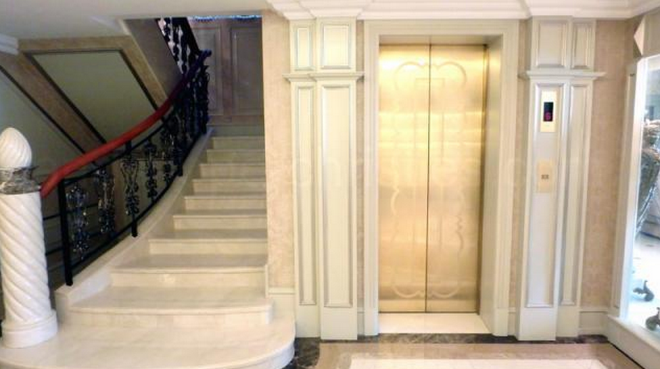 72 million hong kong mansion homes of the rich for Mansion house plans with elevators