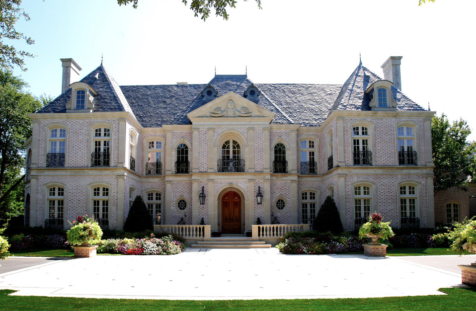 Hotr poll battle of the french chateaus homes of the rich French country architecture residential
