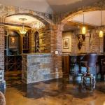 Wet Bar & 2nd Wine Cellar