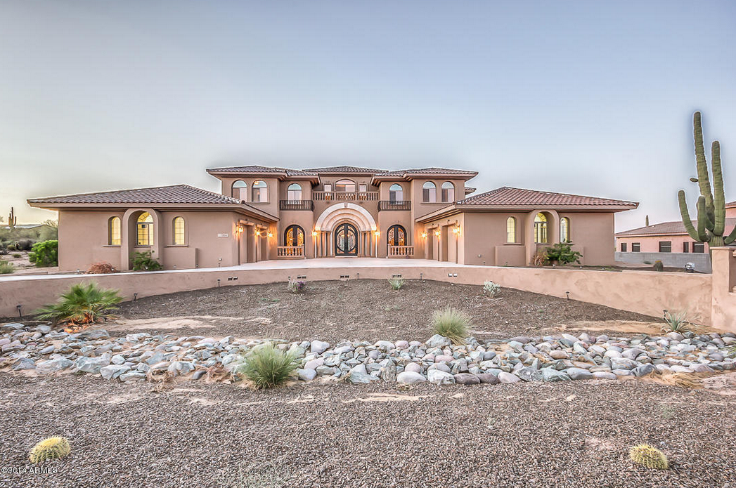 8,700 Square Foot Mansion In Scottsdale, AZ For Under $1.3 Million!