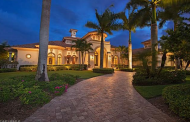 $5.4 Million Lakefront Mansion In Naples, FL