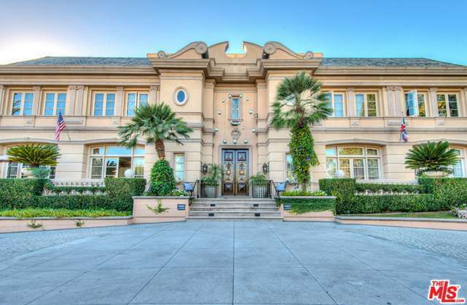 20,000 Square Foot Neoclassical Mansion In Beverly Hills, CA