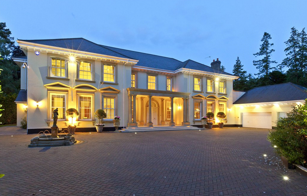 8 95 Million 11 000 Square Foot Mansion In Surrey England Homes Of The Rich