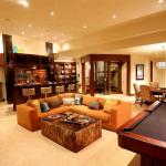 Rec/Billiards Room w/ Wet Bar