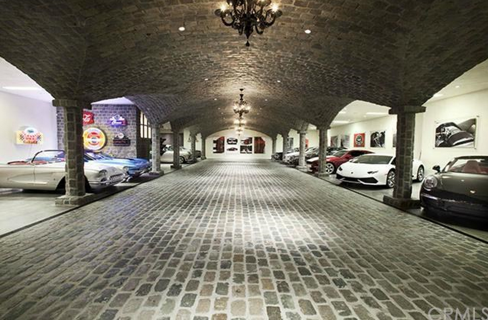25 Car Garage Homes Of The Rich