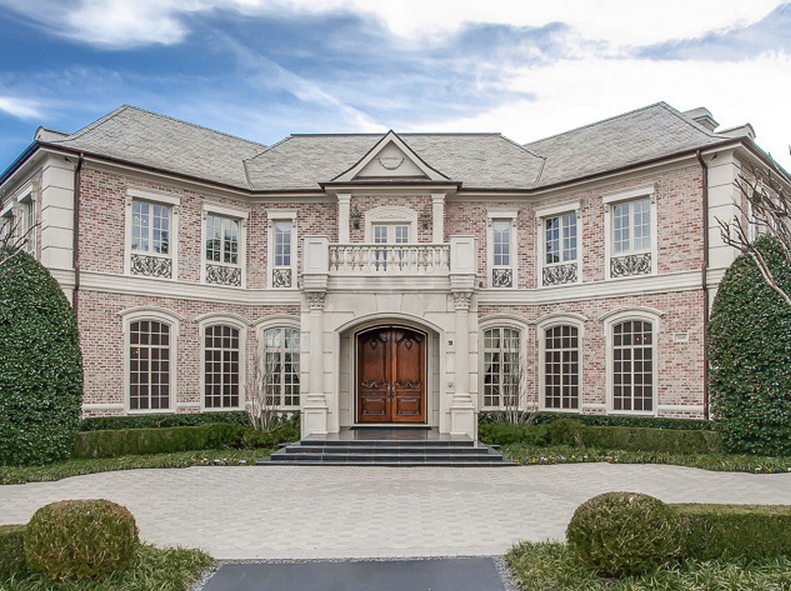 $3.295 Million Brick Golf Course Mansion In Irving, TX