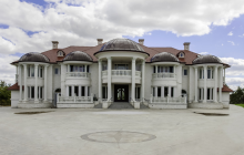 $5.45 Million Newly Built Brick Mansion In Ontario, Canada