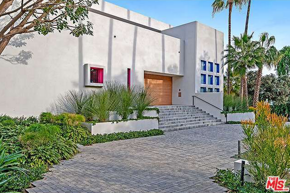 $15.95 Million 10,000 Square Foot Contemporary Mansion In Beverly Hills, CA