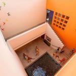 3-story Atrium w/ Fountain