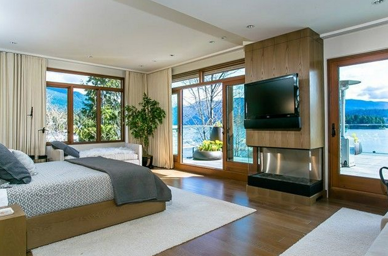 The Lowry House – A $10.9 Million Contemporary Waterfront Mansion ...
