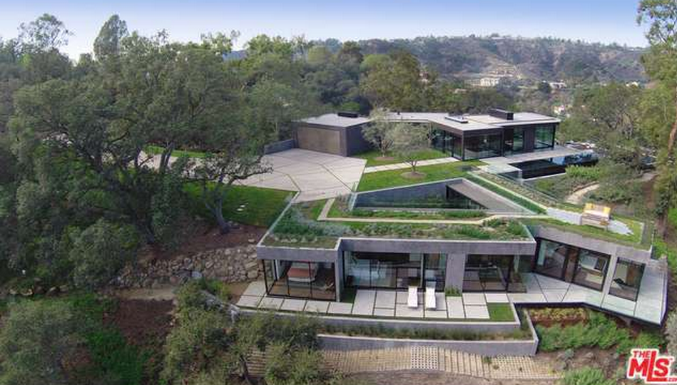 23 Million Contemporary Compound In Beverly Hills Ca Homes Of The Rich