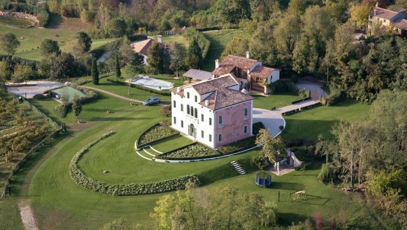 Villa Seicentesca – A Country Estate In Asolo, Italy
