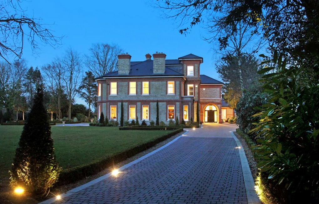 16 Million 15000 Square Foot Newly Built Mansion In London England on Foyer And Dining Room Living Floor Plans