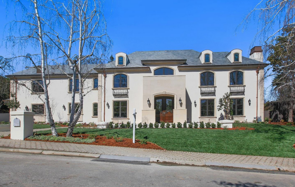 $7.6 Million Updated Home In Hillsborough, CA