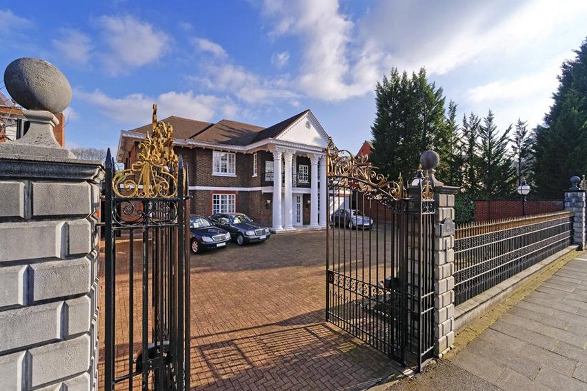 £15 Million Palladian Style Brick Mansion In London, England