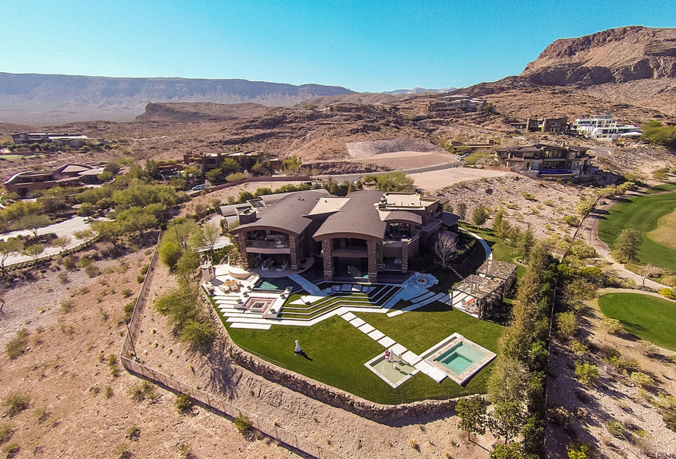 17 5 Million 14 000 Square Foot Contemporary Mansion In