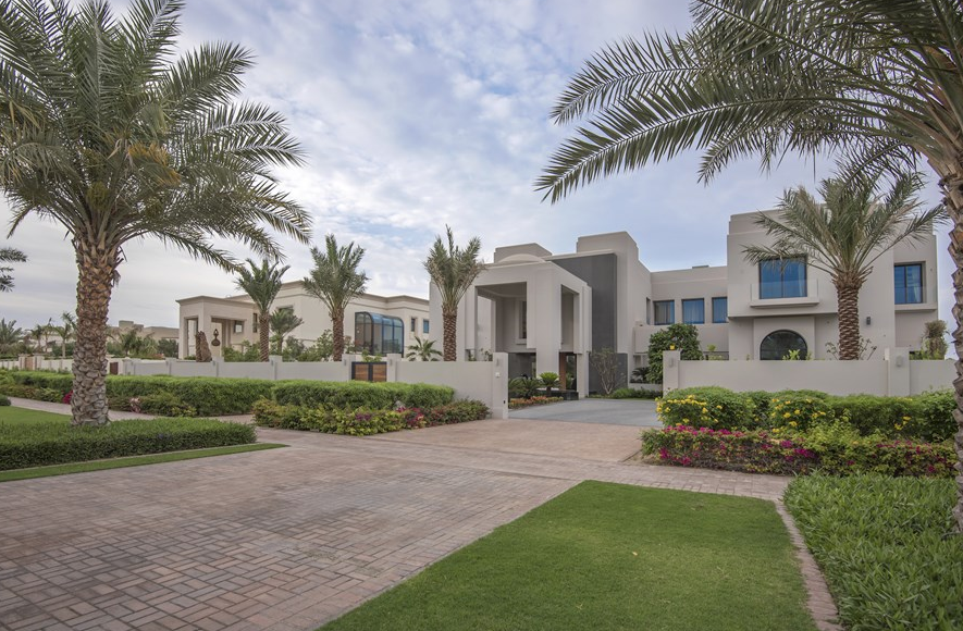 48 Million 30 000 Square Foot Mega Mansion In Dubai Homes Of The Rich