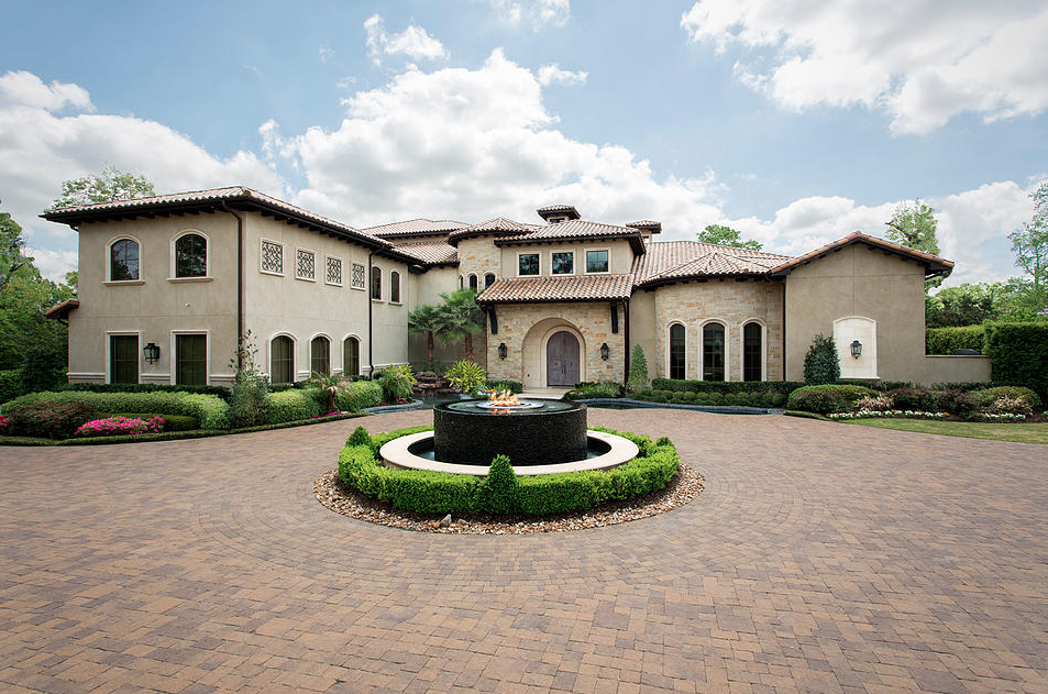 13,000 Square Foot Golf Course Mansion In The Woodlands, TX