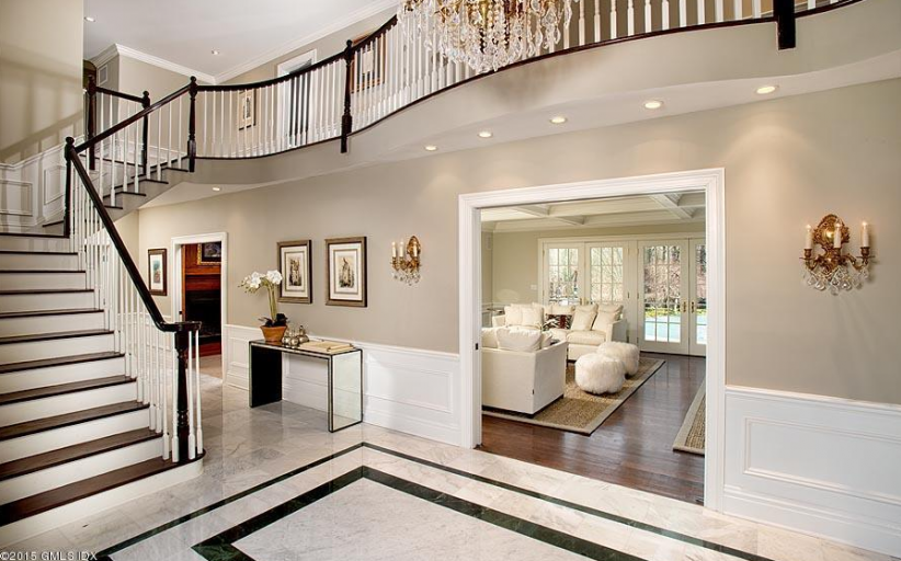 $3.85 Million Colonial Home In Greenwich, CT