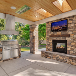 Loggia w/ BBQ & Fireplace