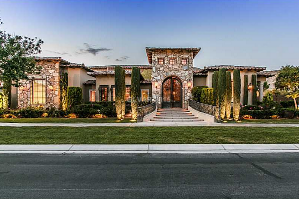 Million tuscan style home in las vegas nv homes for Tuscany style homes
