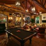 Billiards & Family Room