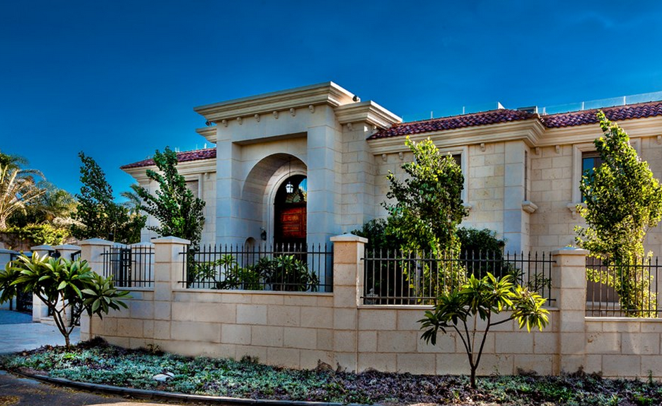 17 000 Square Foot Palatial Limestone Mansion In Caesarea Israel Homes Of The Rich