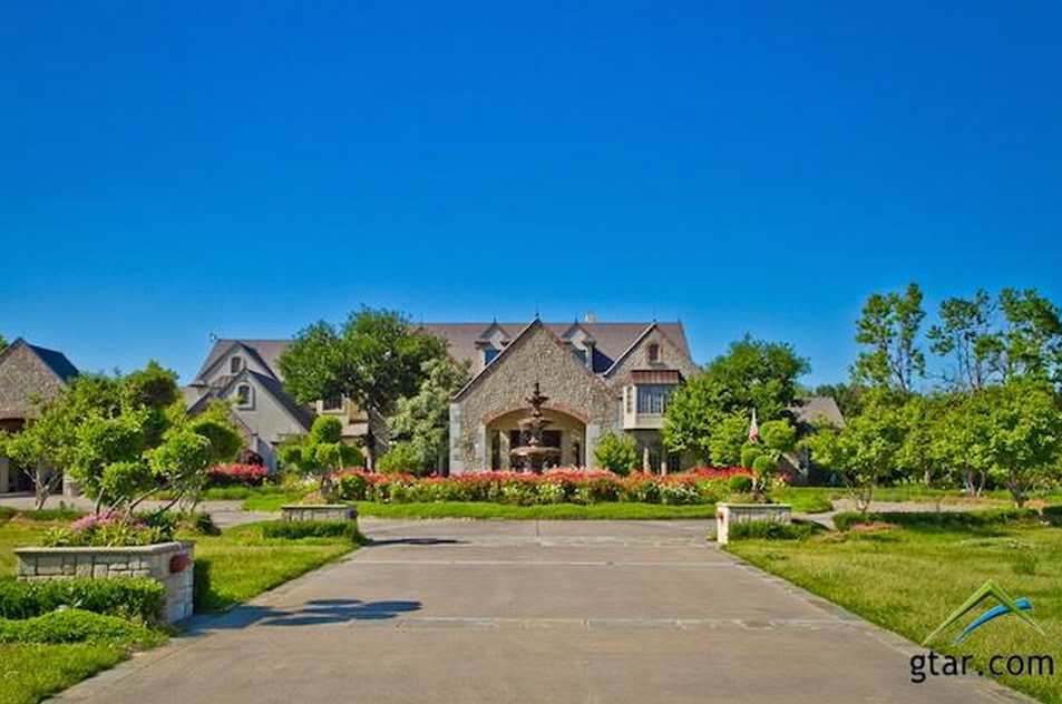 Villa Maria Ranch A 12 5 Million Estate In Sulphur Springs Tx Homes Of The Rich