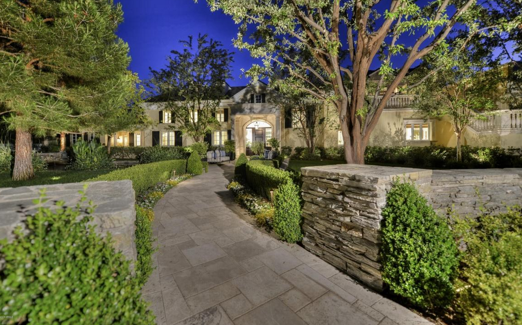 $13.5 Million 14,000 Square Foot Mansion In Paradise Valley, AZ With 11-Car Garage