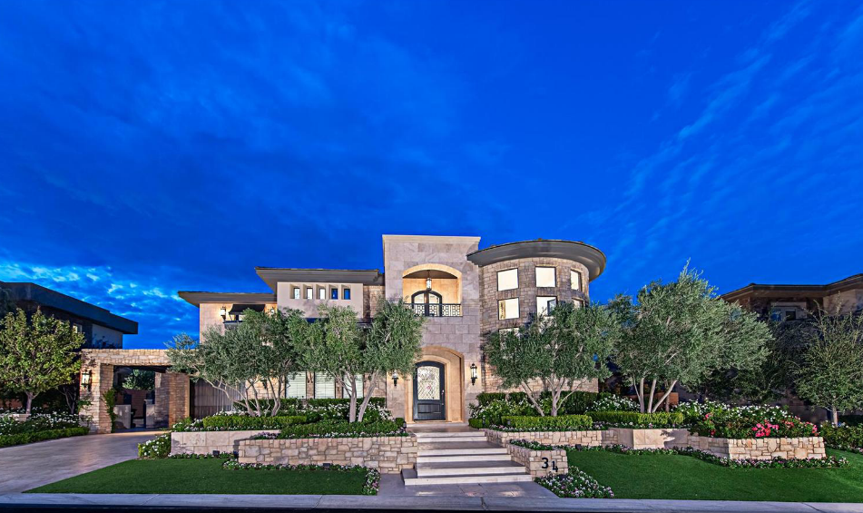 $6.399 Million Golf Course Mansion In Las Vegas, NV With Stunning Chic & Glam Interior