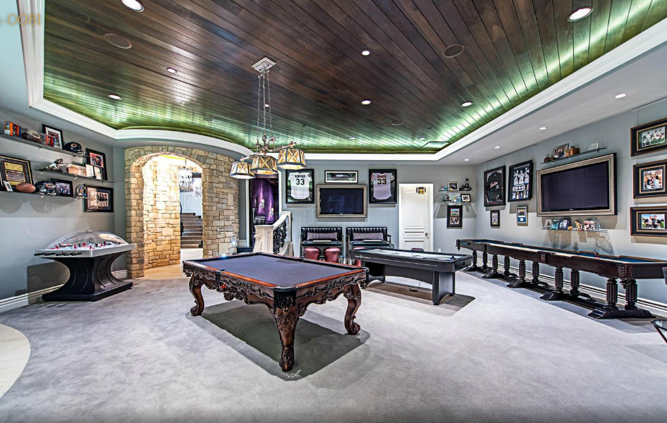 Course Mansion In Las Vegas NV With Stunning Chic Glam Interior