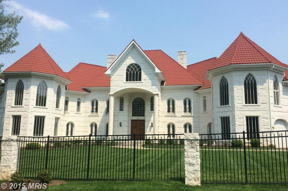 17 000 square foot brick mansion in potomac md homes of for Builders in md