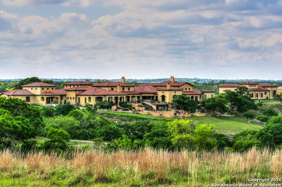 $7.95 Million Compound In Boerne, TX With 18-Car Garage