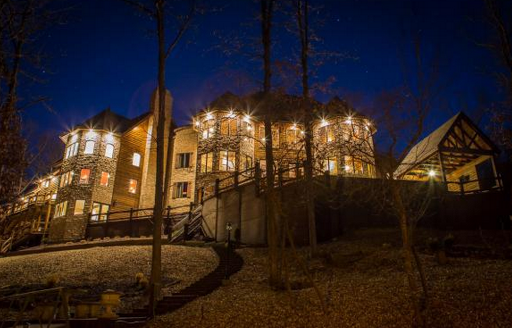 14 500 Square Foot Lakefront Mansion In Osage Beach Mo