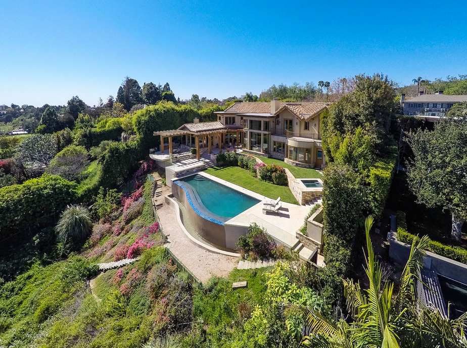 $12.95 Million Country Club Home In Pacific Palisades, CA ...