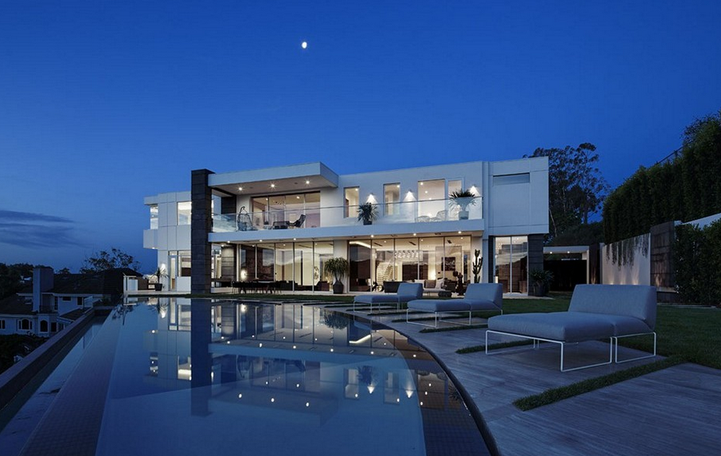 27 5 million newly built modern mansion in los angeles for Modern house design los angeles
