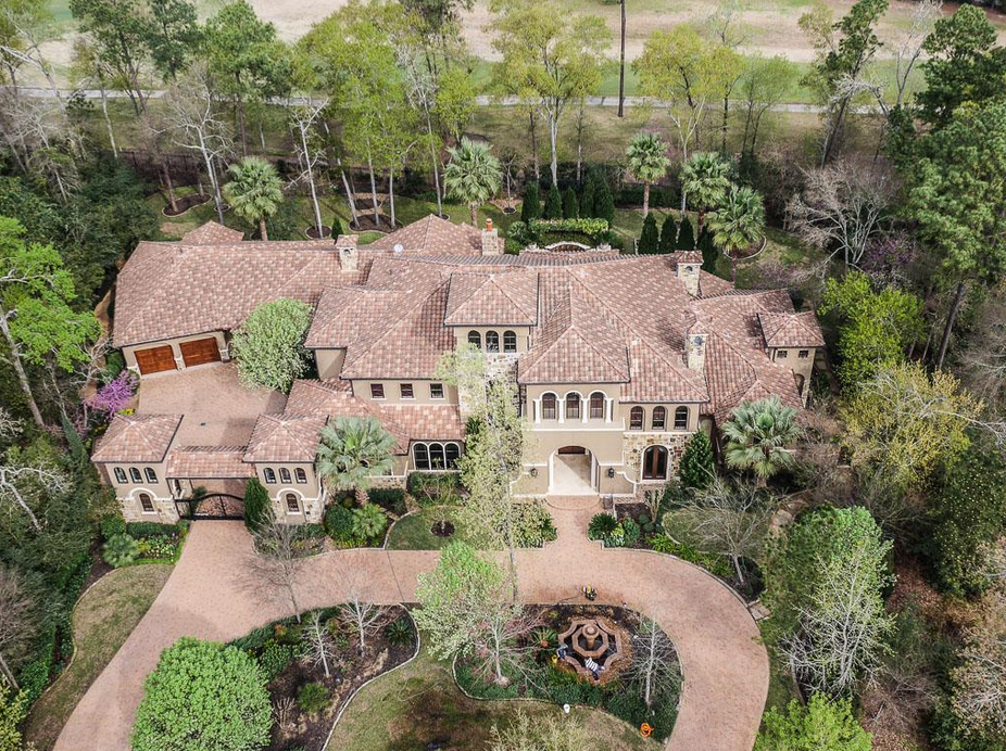 $4.35 Million Mediterranean Style Golf Course Mansion In The Woodlands, TX