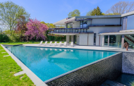 $19.5 Million Contemporary Mansion In Wainscott, NY