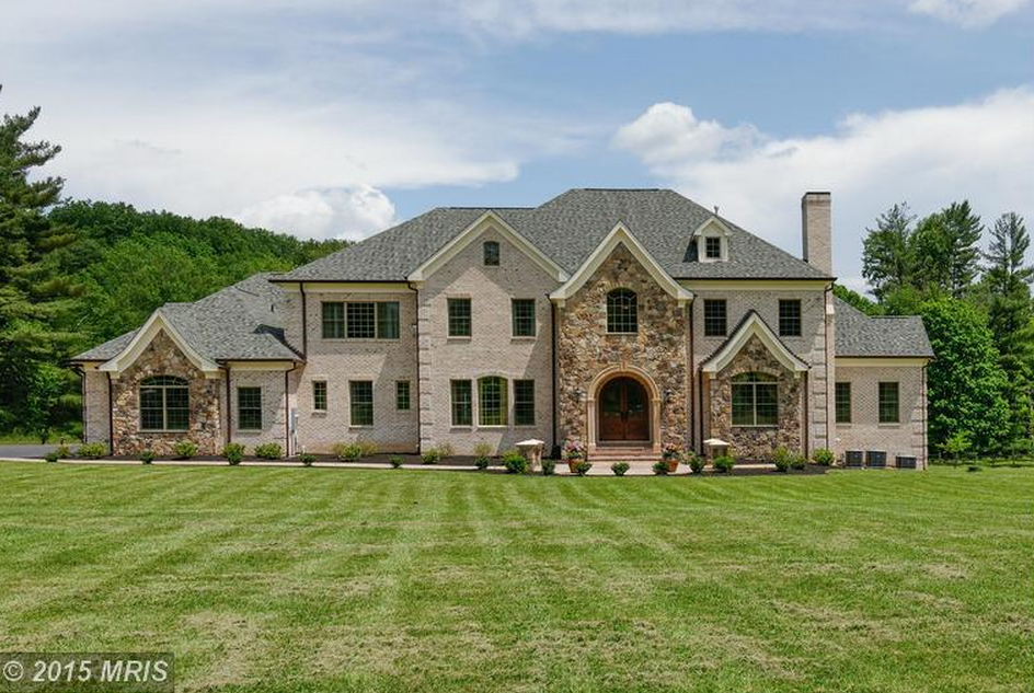 10 000 square foot brick stone mansion in great falls for 10000 square foot home plans