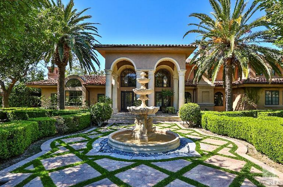 Il Palazzo Tuscana – A $5.9 Million Mediterranean Mansion In Westlake Village, CA