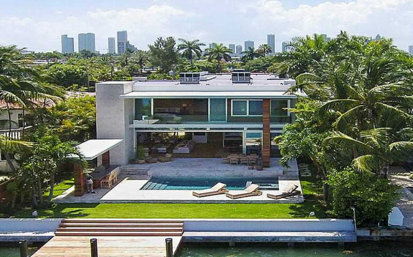 Newly Built Modern Waterfront Home In Miami Beach, FL – $70,000/Month