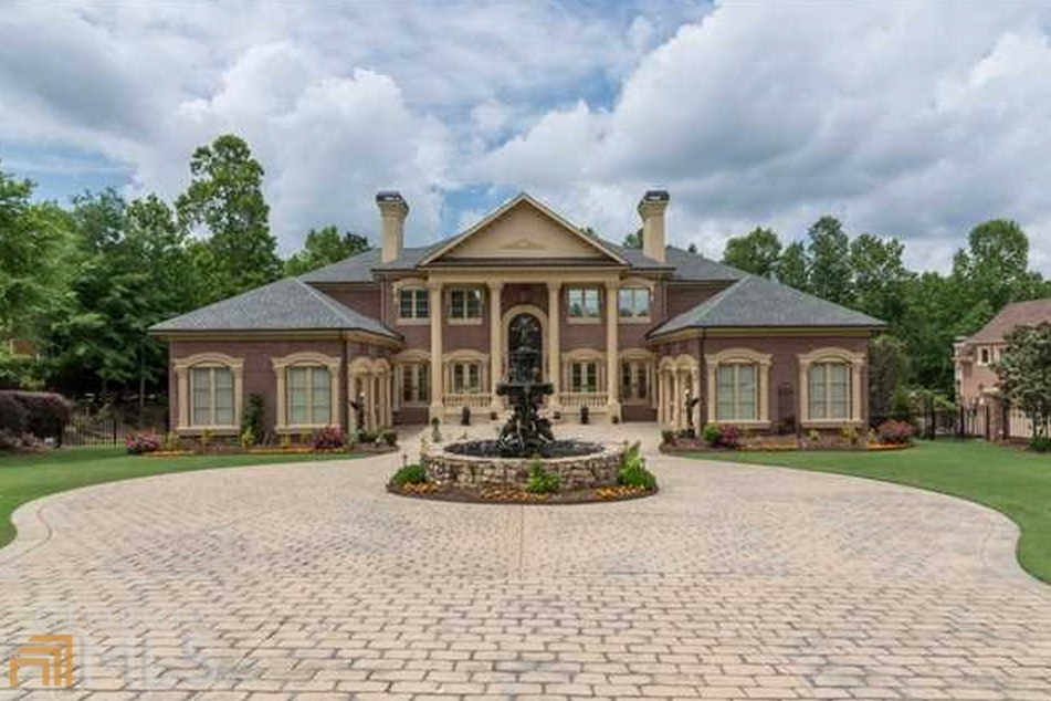 2 2 Million Brick Mansion In Alpharetta Ga Homes Of The Rich
