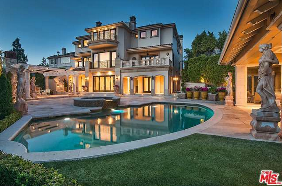 Million mediterranean mansion in los angeles ca for Rich homes in california