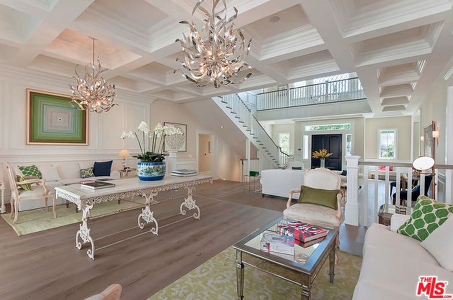 6 995 Million Newly Built Cape Cod Style Mansion In Los
