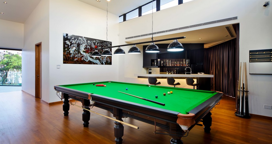 12 Billiards Rooms With Wet Bars Homes Of The Rich