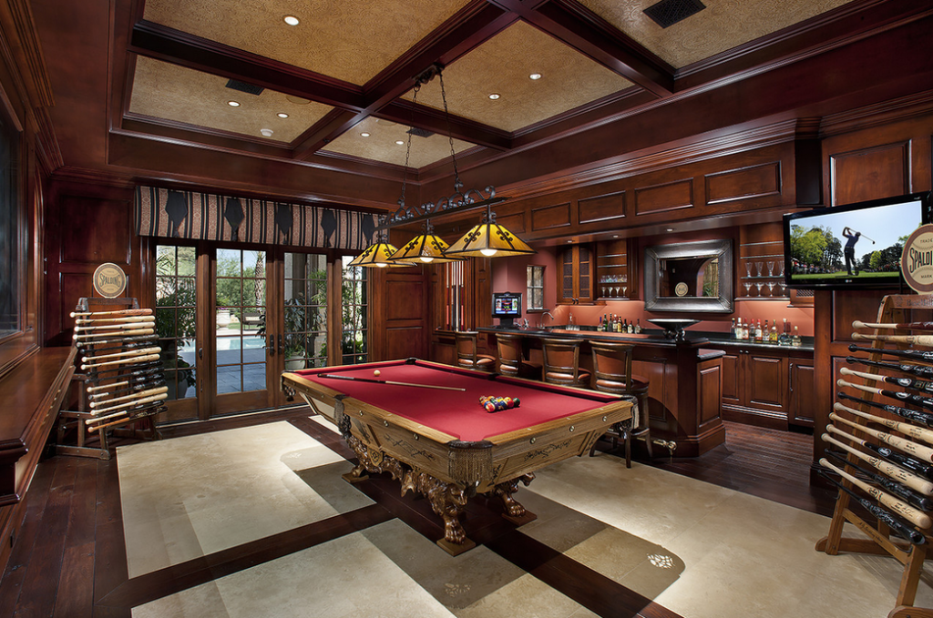 12 Billiards Rooms With Wet Bars Homes Of The Rich The