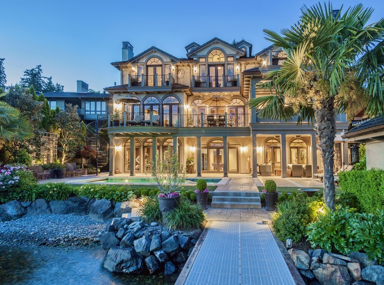 Million waterfront mansion in kirkland wa homes for Huge modern mansion