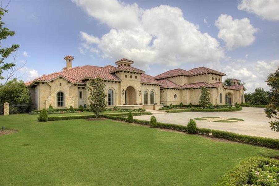 $2.595 Million Mediterranean Mansion In Flower Mound, TX